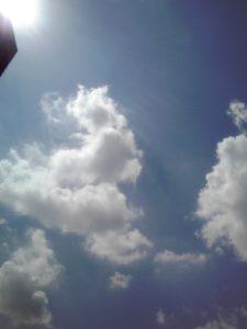 青山の空 ♪